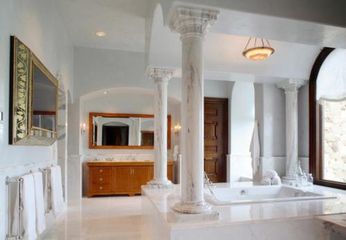 Оформление колонны в интерьере лофт. Колонны в интерьере — 90 фото лучших идей изящного дизайна и декора