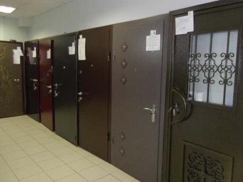 Установка дверей входных металлических. Подготовка к монтажу