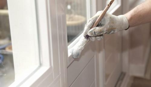 Чем заклеить окна деревянные. Особенности и основные требования