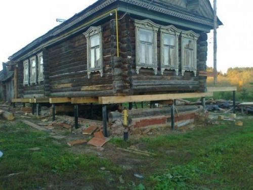 Ремонт в деревянном старом доме. Реконструкция фундамента