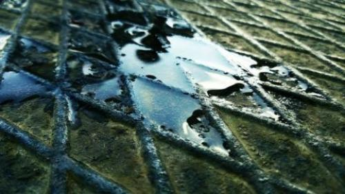 Крыльцо из металлопрофиля. Металл: плюсы и минусы